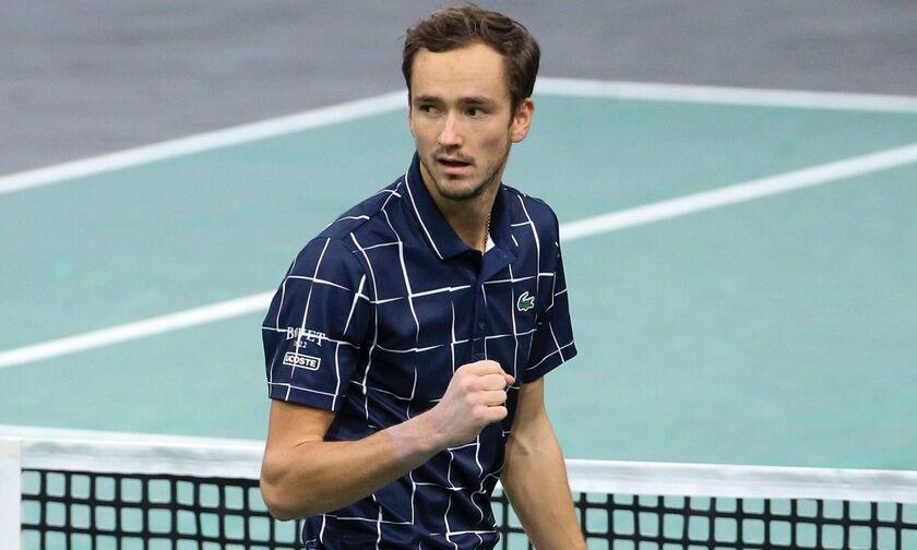 ATP Finals: Αήττητος στα ημιτελικά ο Μεντβέντεφ (vid)