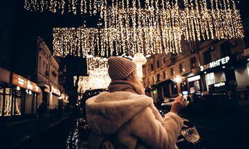 Πού θα κάνουμε φέτος Χριστούγεννα; Έξω, λέει ο ΠΟΥ