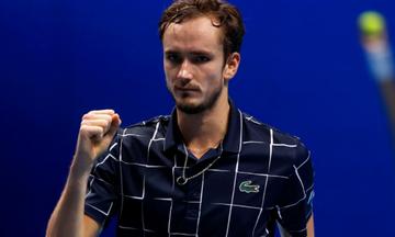 ΑΤP Finals: O βιονικός Μεντβέντεφ λύγισε τον Ναδάλ και πήγε στον τελικό