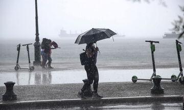 Καιρός: Λίγες τοπικές βροχές και πρόσκαιρες χιονοπτώσεις