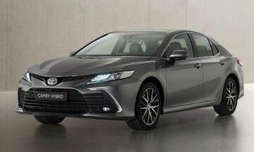 Ακόμα πιο μοντέρνο το Toyota Camry Hybrid