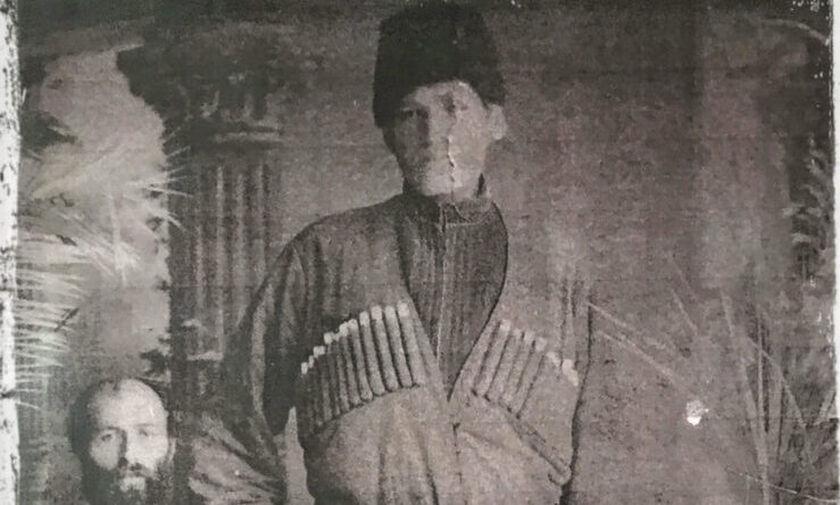 Ο Έλληνας γίγαντας, πρόσφυγας από τον Καύκασο, που είχε ύψος 2,37μ. και έζησε στην Πτολεμαΐδα (pics)