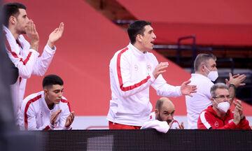 Ολυμπιακός - Μπασκόνια 76-90: Το πάθος του «ερυθρόλευκου» πάγκου (vid)