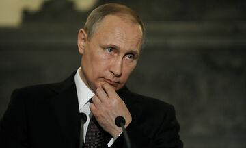 Κορονοϊός: Ξεκινούν οι εμβολιασμοί στη Ρωσία με εντολή Πούτιν!