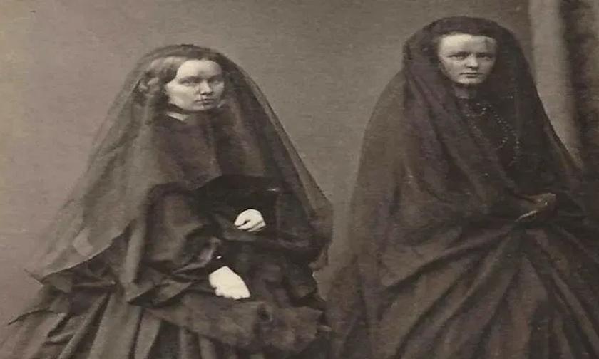 Η «εύθυμη χήρα» Μαριορή, ο φερετζές και ο αντιβασιλέας