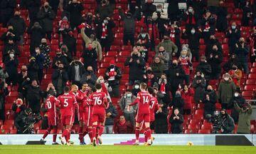Premier League: Η Λίβερπουλ «κέρασε» τεσσάρα τον κόσμο της, η Τότεναμ 2-0 την Άρσεναλ (highlights)