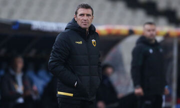 Καρέρα στους παίκτες της ΑΕΚ: «Αν το πρόβλημα είμαι εγώ, να φύγω»