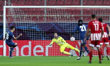 Ολυμπιακός - Πόρτο: Το πέναλτι με VAR και το γκολ του Οτάβιο για το 0-1 (vid)