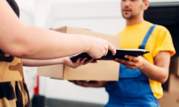 Συμβουλές της ΕΕΤΤ για τις καθυστερήσεις των κούριερ: Η αποζημίωση και η επιστροφή προϊόντων