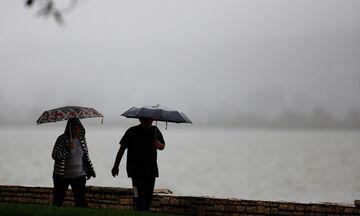 Καιρός: Αυξημένες νεφώσεις και βροχές