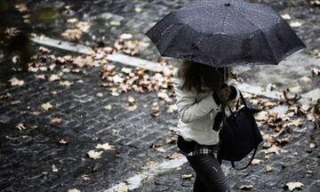 Καιρός: Νεφώσεις, τοπικές βροχές και σποραδικές καταιγίδες. Πού θα έχουμε παροδικές χιονοπτώσεις