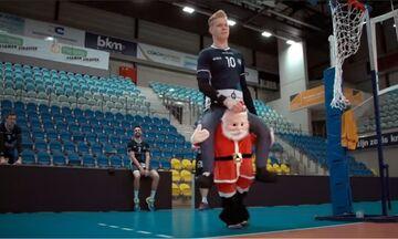 Αυτό δεν το χεις ξαναδεί: Η… Χριστουγεννιάτικη προπόνηση της Κνακ Ροζελάρε (vid)
