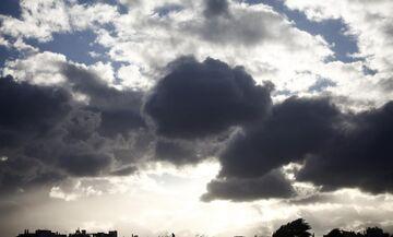 Καιρός: Νεφώσεις και τοπικές βροχές