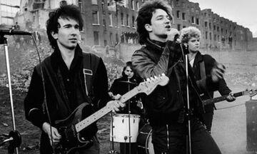 U2 - New Years Day: Ωδή στον φυλακισμένο Λεχ Βαλέσα (vid)
