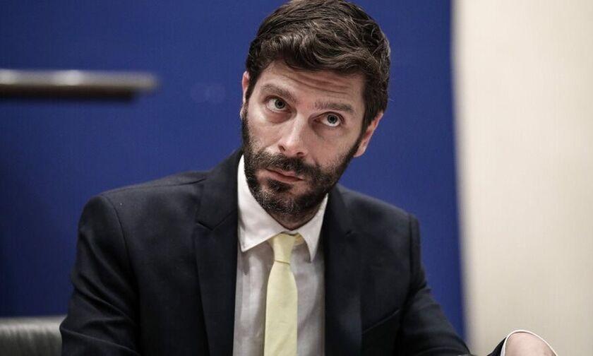 Νικόλας Γιατρομανωλάκης: Ποιος είναι ο πρώτος ανοιχτά ομοφυλόφιλος Έλληνας υφυπουργός