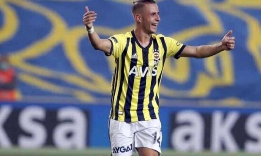 Δημήτρης Πέλκας: «Αγαπώ το ποδόσφαιρο, θα παίξω και άμυνα αν μου ζητηθεί»