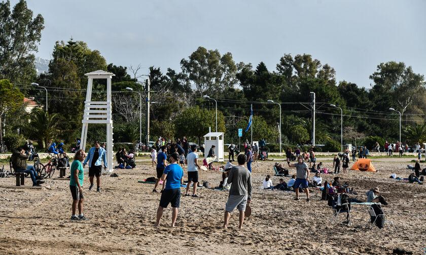 Γλυφάδα, Καβούρι, Βουλιαγμένη: Χαμός στις παραλίες... (vid)