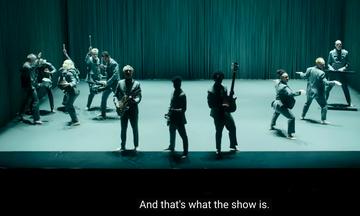 American Utopia- David Byrne: Αν σας λείπουν οι συναυλίες και η αισιοδοξία