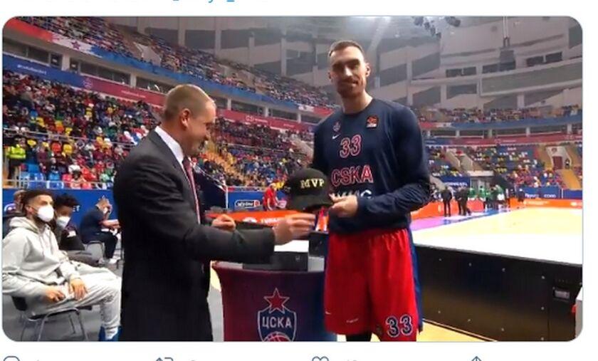 ΤΣΣΚΑ Μόσχας: Ο Μιλουτίνοφ παρέλαβε το βραβείο του MVP για τον Δεκέμβρη (vid)