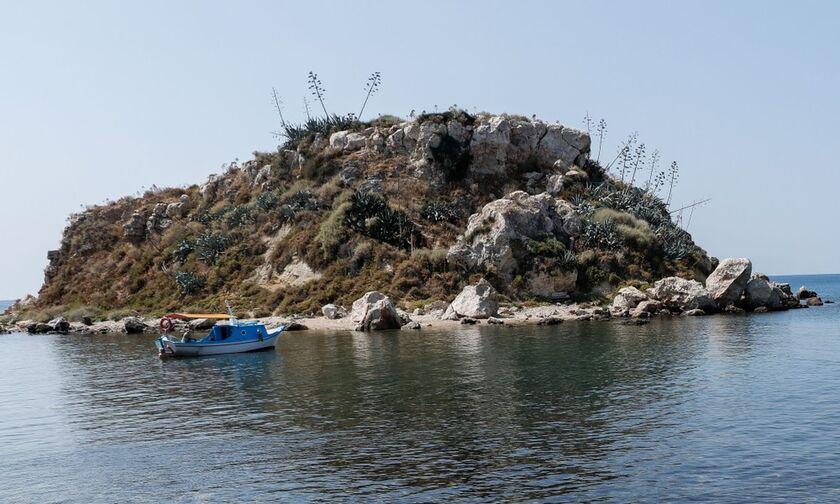 Πειραιάς: Οι περιπέτειες μιας νησίδας – Πώς δεν έγινε… «Rock of gods»