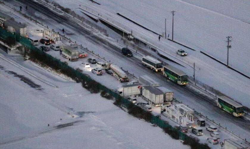 Καραμπόλα 130 αυτοκινήτων στην Ιαπωνία λόγω χιονιά- Ένας νεκρός (vid)