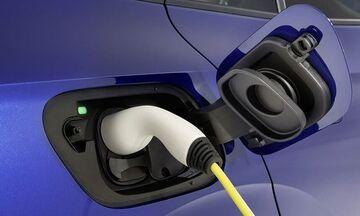 Πότε θα φτηνύνουν τα ηλεκτρικά αυτοκίνητα;