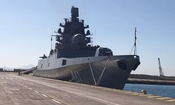 Στον Πειραιά η ρωσική φρεγάτα «Ναύαρχος Κασατόνοβ» (pic+vid)