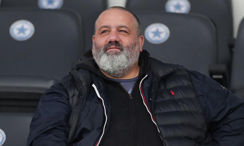 Στην ΕΠΟ ο Καραπαπάς μετά την κλήρωση του Κυπέλλου: «Γελάει όλη η Ελλάδα μαζί σας»