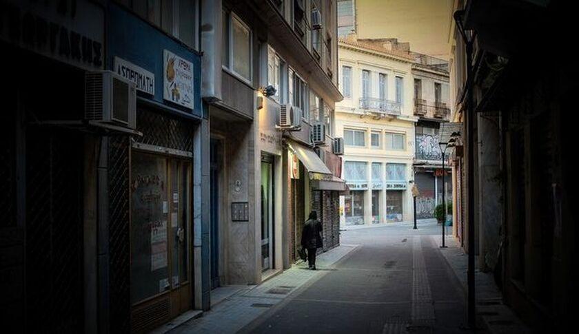 Σε ολικό lockdown από σήμερα η Αττική - Τι ισχύει για τις μετακινήσεις, ποια μαγαζιά μένουν ανοιχτά