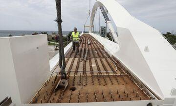 Παλαιό Φάληρο: Τοποθετείται η πεζογέφυρα, κλείνει η Ποσειδώνος - Κυκλοφοριακές ρυθμίσεις