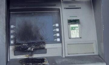 Πεύκη: Επίθεση με μολότοφ σε τέσσερα ΑΤΜ