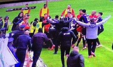 Πολύ ξύλο σε αγώνα του αλβανικού πρωταθλήματος (vid)