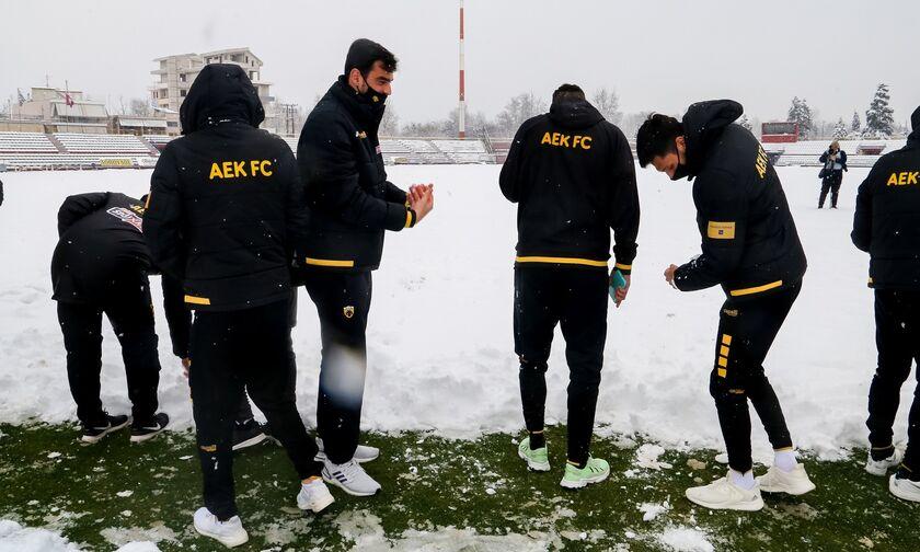 ΑΕΚ: Χιονοπόλεμος αντί για αγώνα στο Αλκαζάρ (vid)