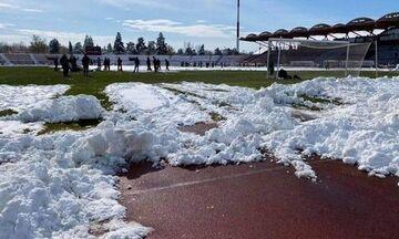Συνεργείο καθάρισε το Αλκαζάρ από τα χιόνια - Προς διεξαγωγή το ΑΕΛ-ΑΕΚ
