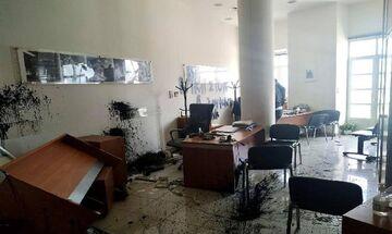 «Γυαλιά - καρφιά» το γραφείο του Αυγενάκη στο Ηράκλειο (pic)