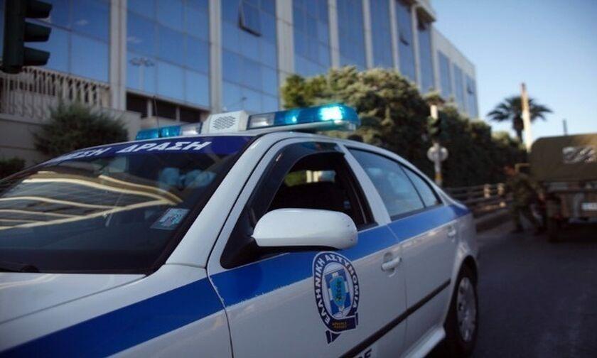 Επίθεση στο δημαρχείο Μοσχάτου με μολότοφ