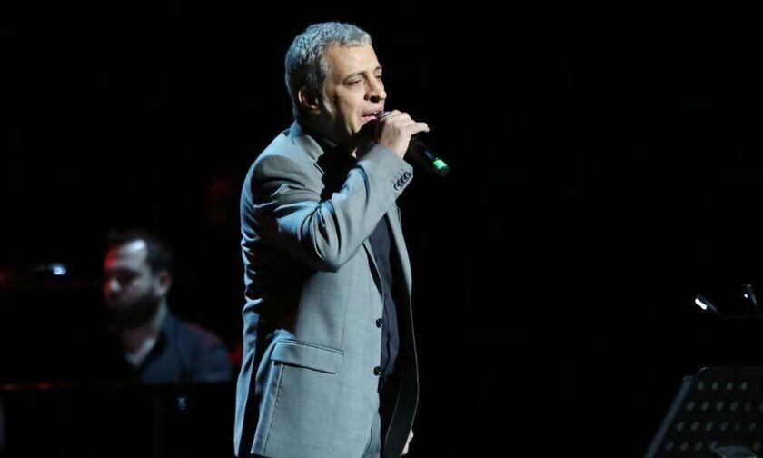 Κυψέλη: O Θέμης Αδαμαντίδης, o τραγουδιστής, ο οποίος συνελήφθη σε παράνομη χαρτοπαικτική λέσχη