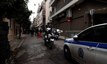 Καισαριανή: Βίντεο-ντοκουμέντο από την επίθεση με μολότοφ στο αστυνομικό τμήμα