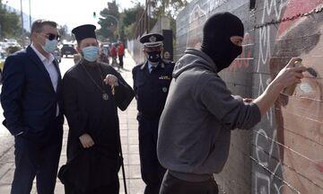 Σάλος με τον «Εύρυτο»: Ο 18χρονος ακροδεξιός γκραφιτάς που διχάζει το διαδίκτυο (vids, pics)
