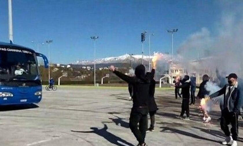 ΠΑΣ Γιάννινα: Θερμή υποδοχή σε παίκτες και Γιαννίκη για την πρόκριση επί του Παναθηναϊκού (vid)