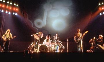 Pink Floyd: Με τι αφορμή γράφτηκε και σε ποιον απευθύνεται το «Hey You» (vid)