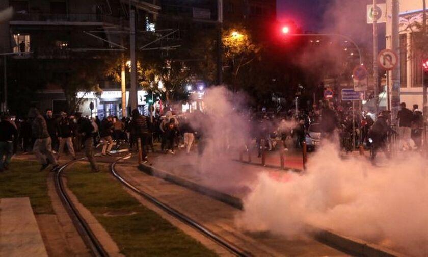 Νέα Σμύρνη : Πορεία μετά τα επεισόδια στην πλατεία (pic)
