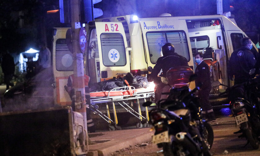 Επεισόδια στη Νέα Σμύρνη: Εκτός κινδύνου ο αστυνομικός που τραυματίστηκε στο κεφάλι