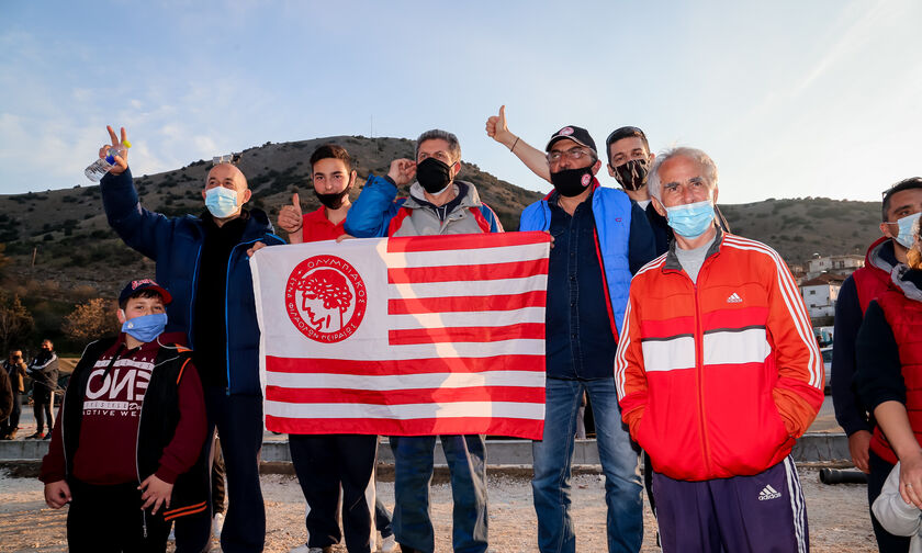 Η ΠΑΕ Ολυμπιακός στο πλευρό των σεισμόπληκτων της Ελασσόνας (vid, pics)