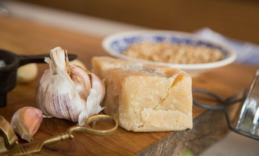Γιατί δεν πρέπει να τρώμε τυρί με τις φακές και το σπανακόρυζο;