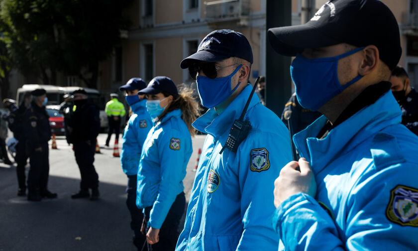 Συγκέντρωση διαμαρτυρίας αστυνομικών: «Nα σταματήσει η στοχοποίηση» (vid)