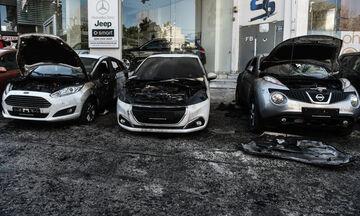 Εμπρηστική επίθεση σε αντιπροσωπεία αυτοκινήτων στην Καισαριανή (vid)