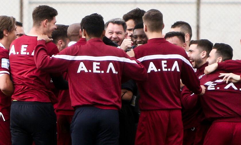 Απόλλων Σμύρνης - ΑΕΛ: Οι πανηγυρισμοί του Κούγια με τους παίκτες (vid)