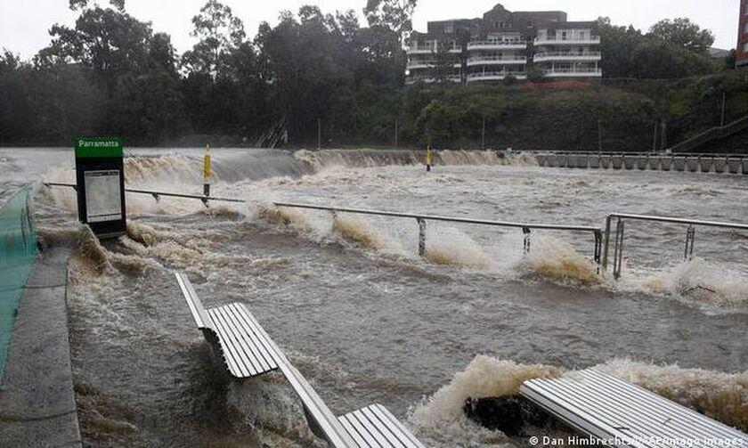 Η Αυστραλία αντιμέτωπη με τις χειρότερες πλημμύρες εδώ και δεκαετίες