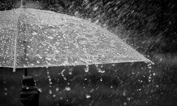 Καιρός: Νεφώσεις, βροχές, καταιγίδες, αφρικανική σκόνη, μικρή πτώση της θερμοκρασίας